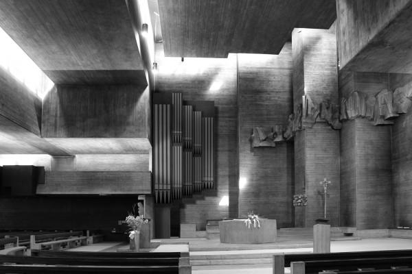 Fotomontage des Orgelmodells im Kircheninnenraum
